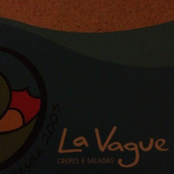 Photo taken at Bercy Village - Crepes e Saladas by Vívian C. on 5/4/2013