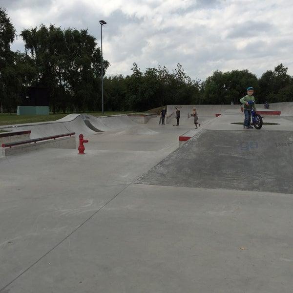 Das Foto wurde bei Скейт-парк «Садовники» von Ivan K. am 7/18/2015 aufgenommen