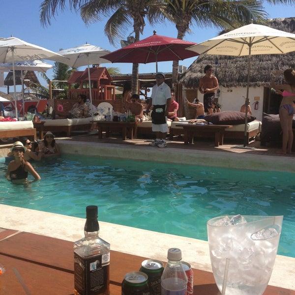 Foto tomada en Kool Beach Club por Gaby G. el 3/30/2013