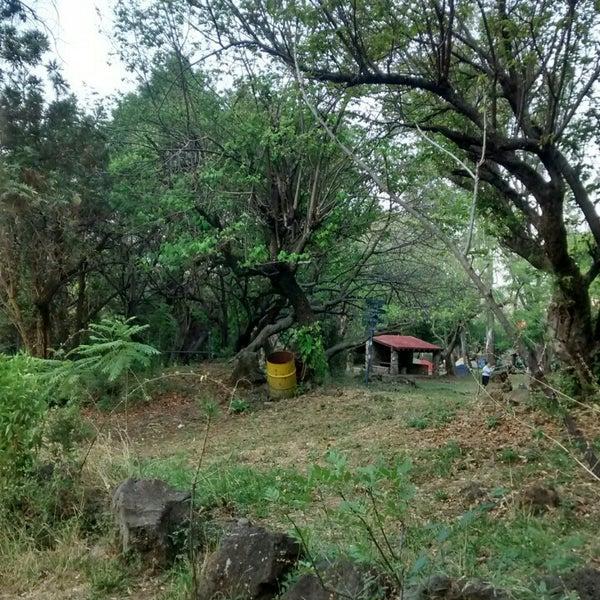 Foto tirada no(a) Campo Escuela Scout Meztitla por Payoo P. em 4/25/2015