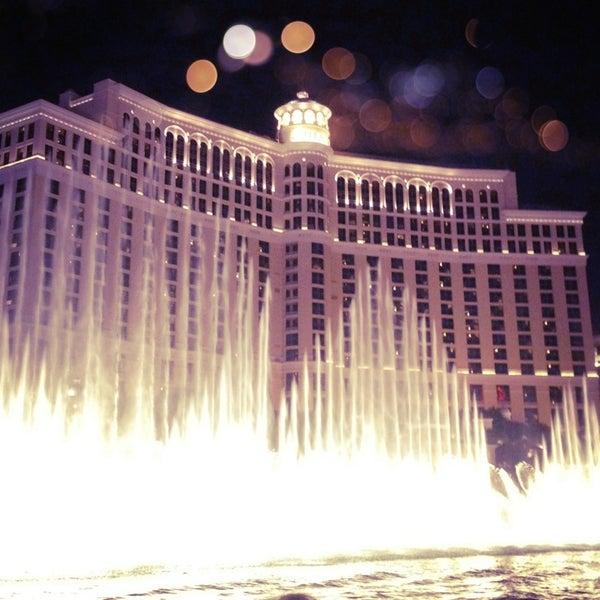 Photo prise au Bellagio Hotel & Casino par Kayla B. le7/15/2013
