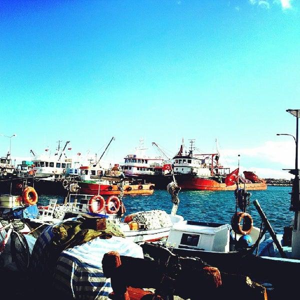 10/17/2013 tarihinde Dilay Ç.ziyaretçi tarafından Küçükkuyu Limanı'de çekilen fotoğraf