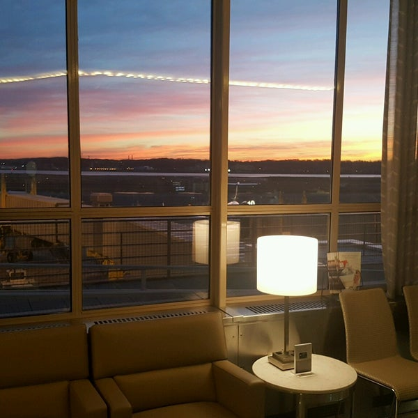 Photo taken at United Club by Bob E. on 12/21/2016