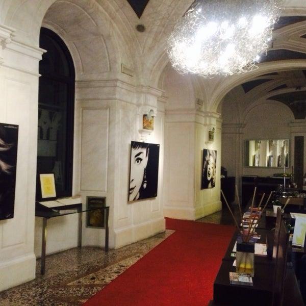 Photos at Hotel Art - Campo Marzio - Via Margutta 56