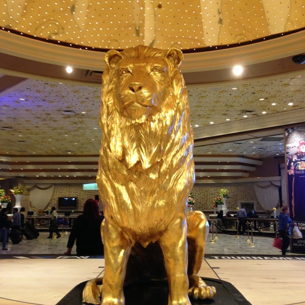 Photo taken at MGM Grand Hotel & Casino by Spicytee on 3/10/2013