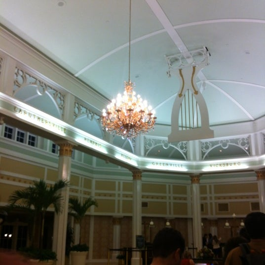 Photo taken at Disney's Port Orleans Riverside Resort by Rose S. on 1/10/2013