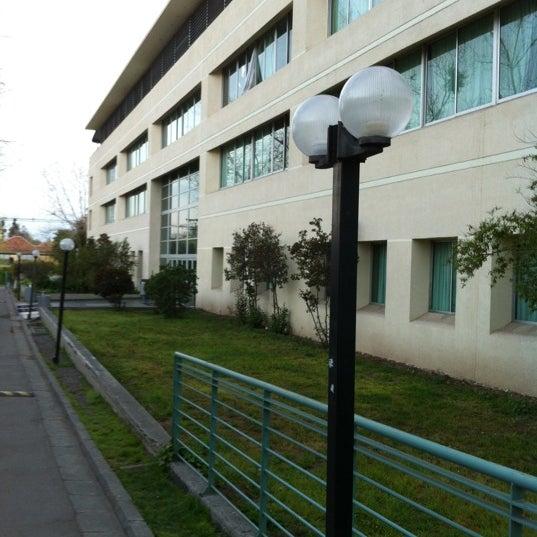 Foto tomada en Universidad Andrés Bello por Matias O. el 10/2/2012