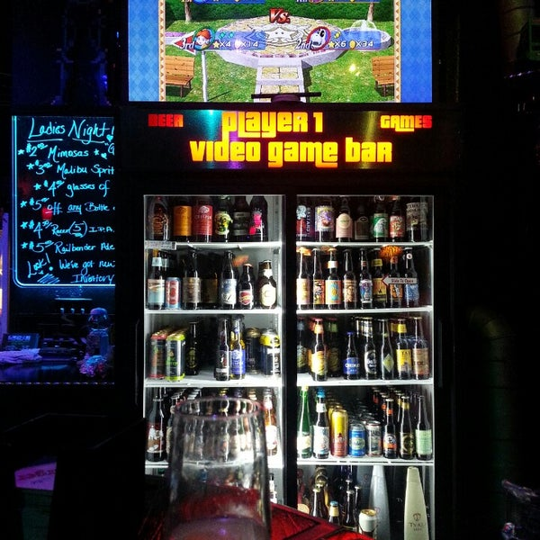 Photo taken at Player 1 Video Game Bar by Jessica Lee R. on 6/27/2013