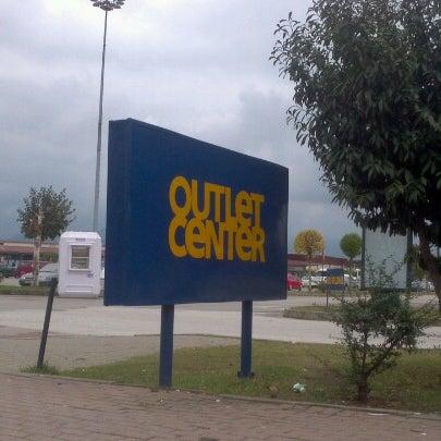 10/25/2012 tarihinde Ebru C.ziyaretçi tarafından Outlet Center'de çekilen fotoğraf