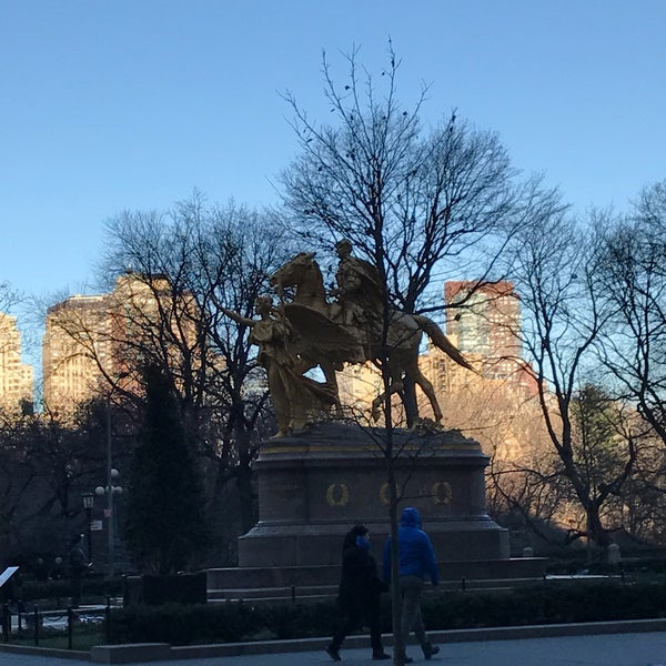Photo taken at Grand Army Plaza by Oxana S. on 12/25/2016