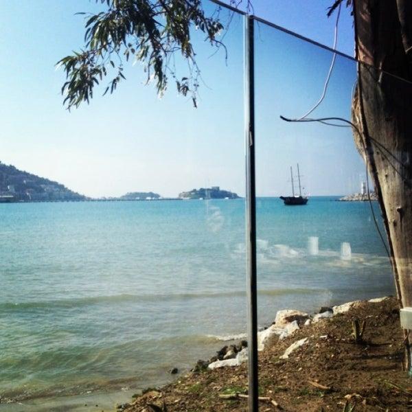 4/1/2013 tarihinde Sertanur Öncelziyaretçi tarafından Cafe Marin'de çekilen fotoğraf