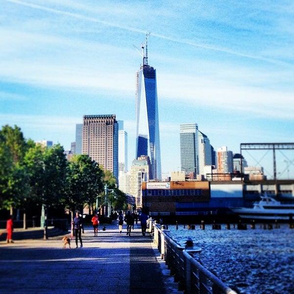 Das Foto wurde bei Hudson River Park von Gabe B. am 5/13/2013 aufgenommen
