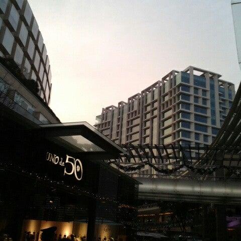 Foto tomada en Antara Fashion Hall por Joy O. el 12/22/2012