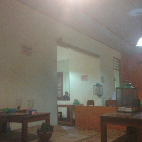 6/21/2013에 ika p.님이 Lombok Galak에서 찍은 사진