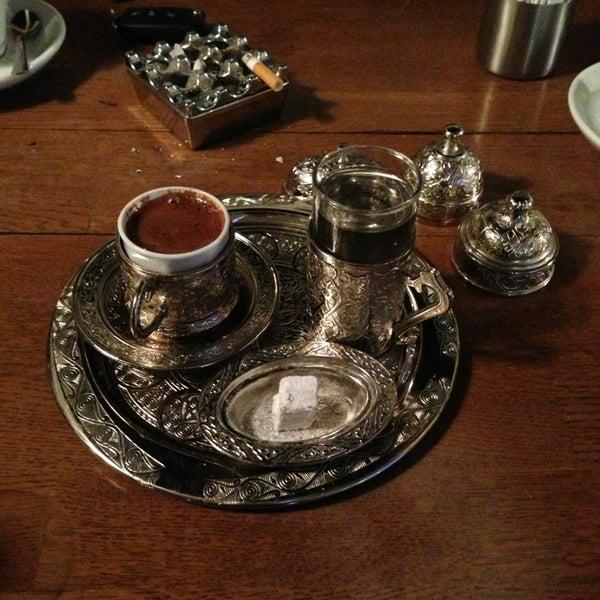 6/16/2013 tarihinde Poyraz O.ziyaretçi tarafından Kuruçeşme Kahvesi'de çekilen fotoğraf