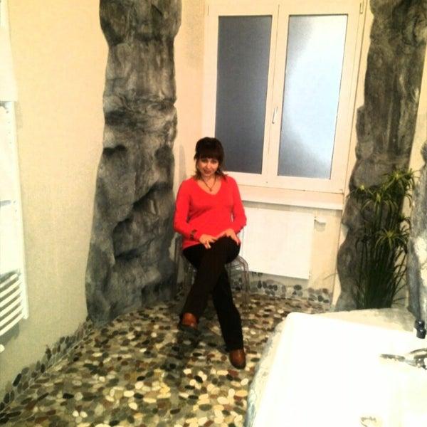Das Foto wurde bei Hotel Urania von Ekaterina B. am 1/1/2014 aufgenommen