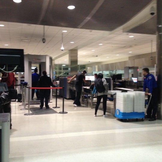 Security Checkpoint Tsa Mcnamara Terminal