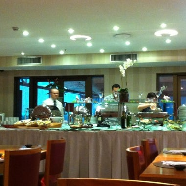 Foto tirada no(a) Matsubara Hotel por 🎀Lu N. em 11/4/2012