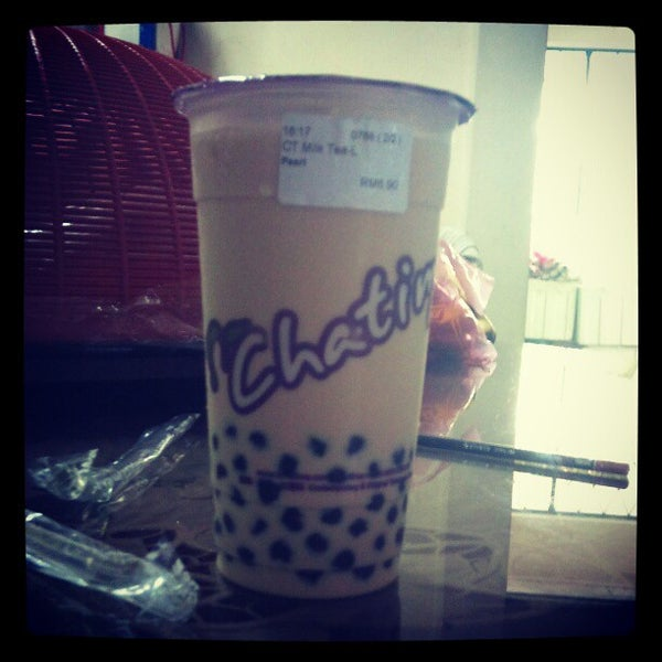 Photo taken at Chatime by Jia Jia T. on 11/19/2012