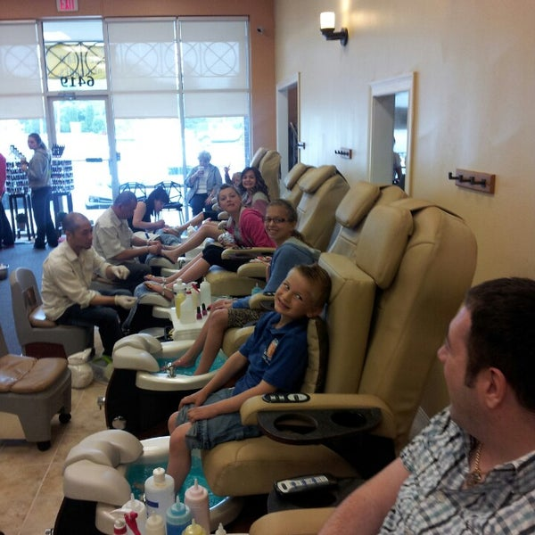 Cali nails fort wayne in for A nail salon fort wayne in