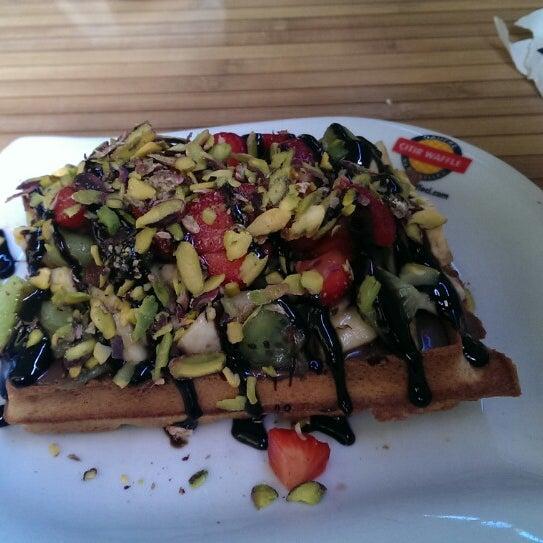 10/18/2013 tarihinde Birsu E.ziyaretçi tarafından Waffle Edem 46'de çekilen fotoğraf