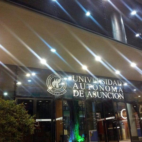 Foto tomada en Universidad Autónoma de Asunción por Alcides P. el 2/27/2013