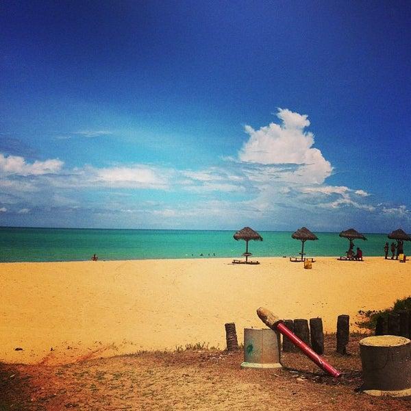 รูปภาพถ่ายที่ Praia de Guaxuma โดย Paula A. เมื่อ 3/20/2013