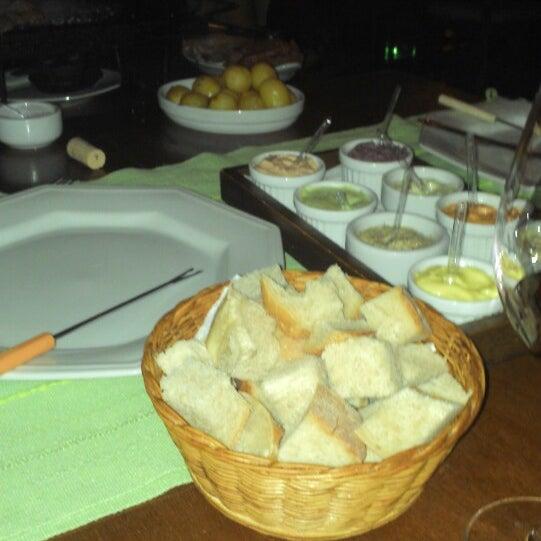 Foto tirada no(a) Restaurante Mont Vert por Kelly G. em 10/19/2013