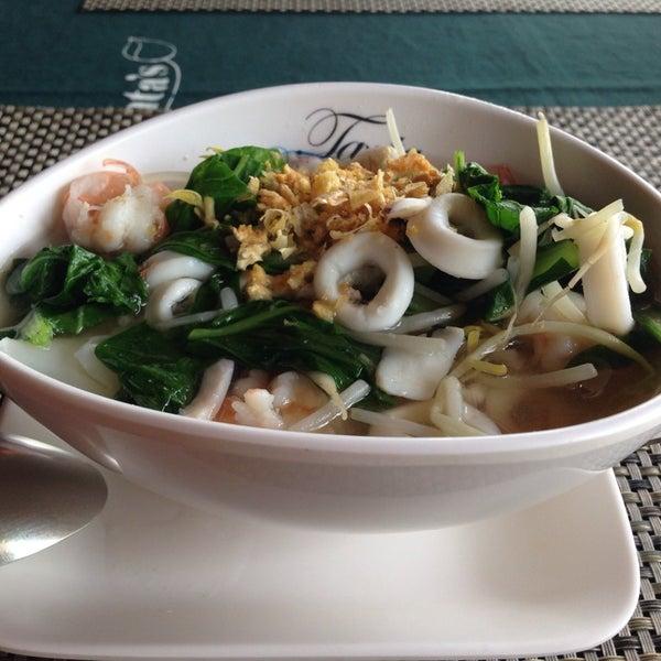Снимок сделан в Tanta's Thai Restaurant пользователем Ksenia P. 1/13/2014