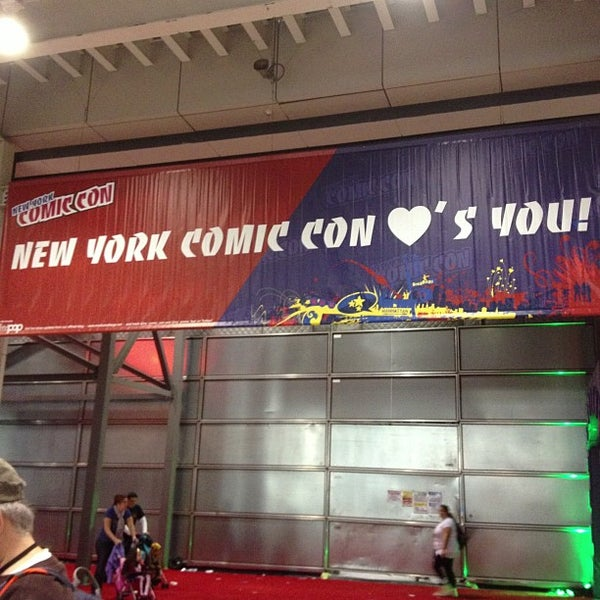 Photo taken at New York Comic Con 2012 by Stephen W. on 10/14/2012