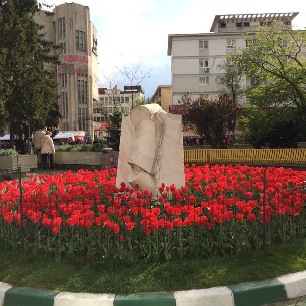 Photo taken at Simfonia Lalelelor by Marius B. on 4/20/2014