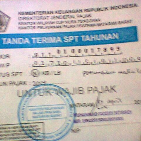 Photo taken at Kantor Pelayanan Pajak Pratama Mataram Barat by SUPRIYANTHO K. on 4/17/2015