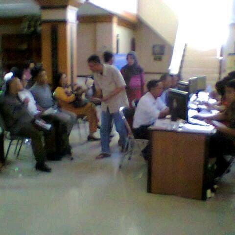 Photo taken at Kantor Pelayanan Pajak Pratama Mataram Barat by SUPRIYANTHO K. on 3/31/2015