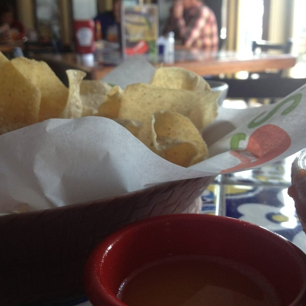 Photo taken at Chili's Grill & Bar by Debby D. on 1/27/2013