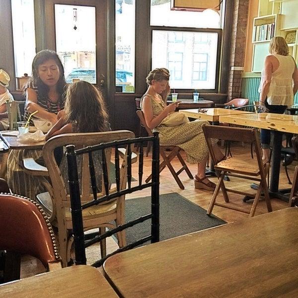 Photo taken at Ashbox Cafe by Eddie Q. on 8/24/2015