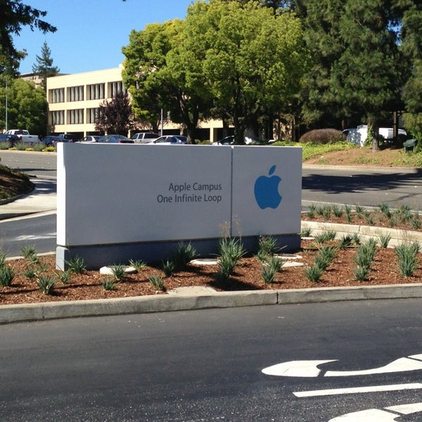 Photo taken at Apple Inc. by Brent G. on 6/21/2013