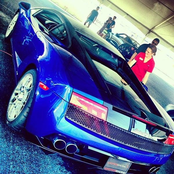 Foto tirada no(a) Exotics Racing por LaLa C. em 9/25/2012