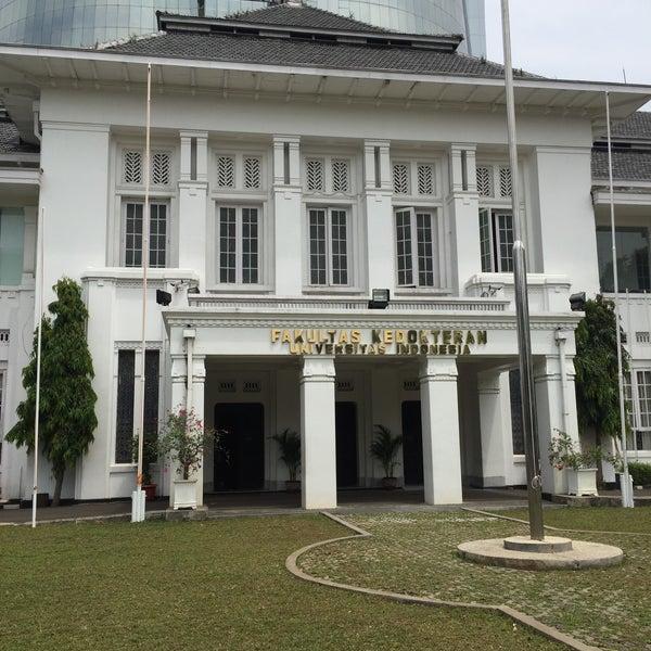Photo taken at Fakultas Kedokteran Universitas Indonesia by Nyoman G. on 4/23/2017