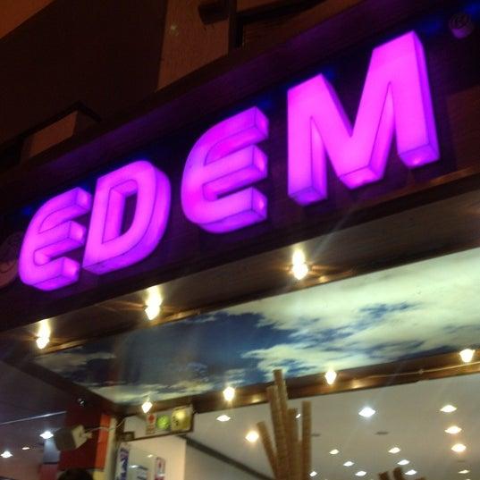9/15/2012 tarihinde E.S.E m.ziyaretçi tarafından Waffle Edem'de çekilen fotoğraf