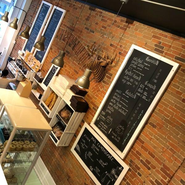 Dina S Bar Cafe