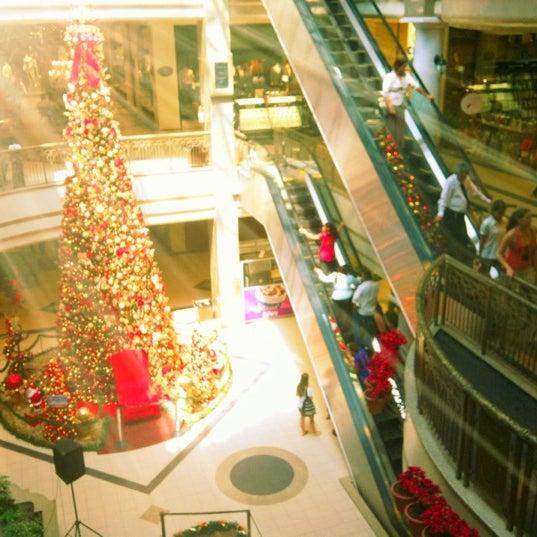 Foto tirada no(a) Shopping Del Paseo por Thiago C. em 12/6/2012
