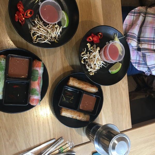 Снимок сделан в Joly Woo пользователем Julia L. 5/15/2017
