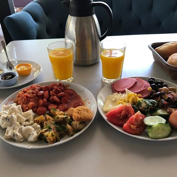 7/19/2018 tarihinde Murat A.ziyaretçi tarafından Seyir Cafe'de çekilen fotoğraf