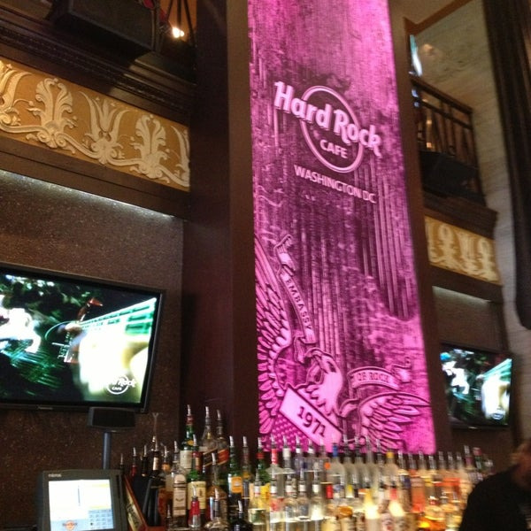 Photo taken at Hard Rock Cafe Washington DC by Lucie K. on 6/29/2013