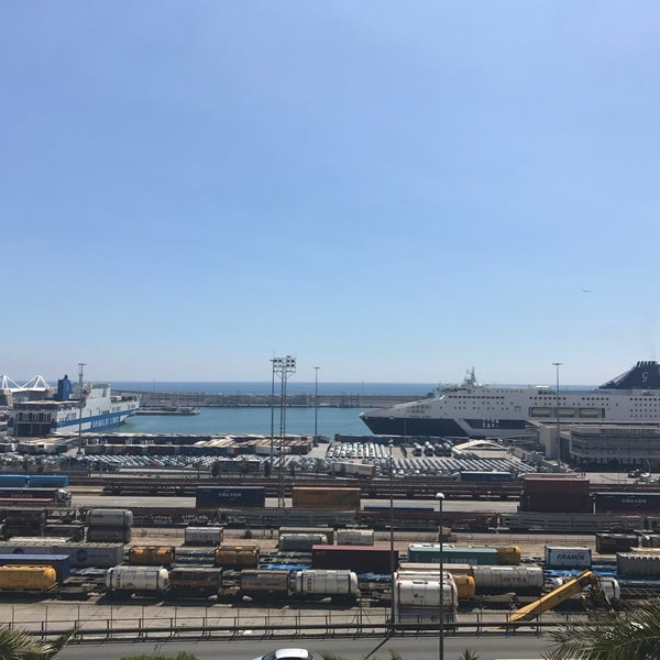 Photo taken at OneOcean Port Vell Barcelona by Jaime Z. on 5/8/2017