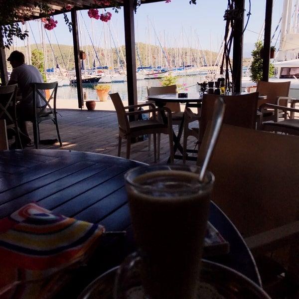 7/9/2017 tarihinde Duygudyg A.ziyaretçi tarafından Mod Yacht Lounge'de çekilen fotoğraf