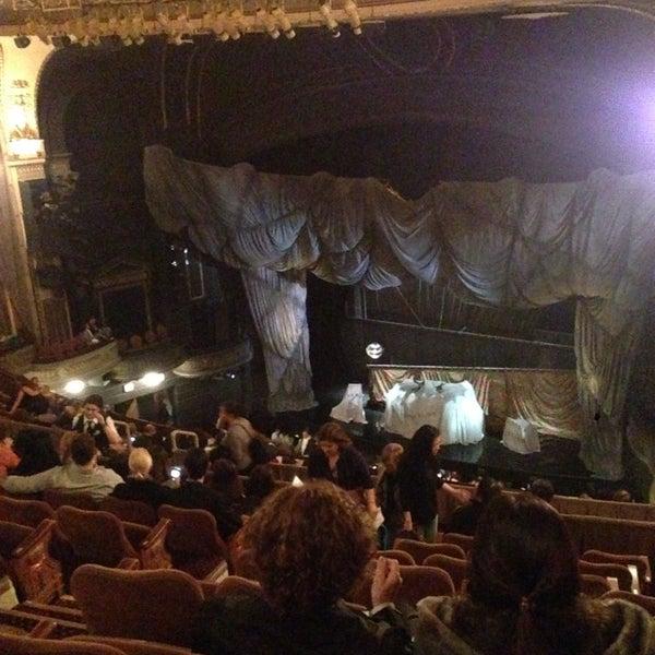 Foto tirada no(a) Majestic Theatre por Juanca R. em 11/4/2014