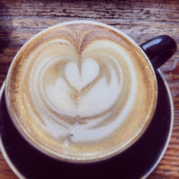 Снимок сделан в Bonanza Coffee пользователем Christian H. 2/17/2013