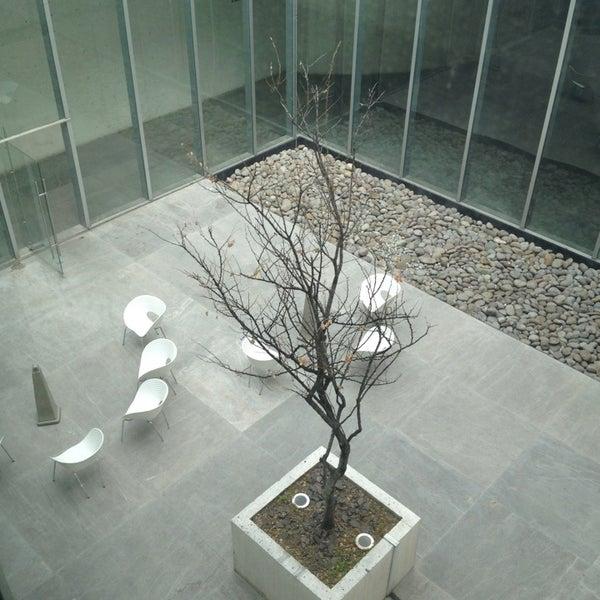 Foto tomada en MUAC (Museo Universitario de Arte Contemporáneo). por T Alejandra C. el 2/16/2013