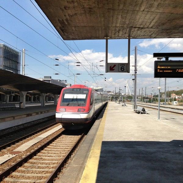 Photo taken at Estação Ferroviária de Porto-Campanhã by Den on 5/3/2013